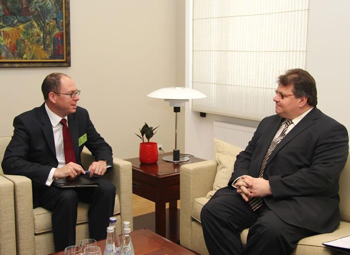 L. Linkevičius susitiko su Jungtinės Karalystės ambasadoriumi
