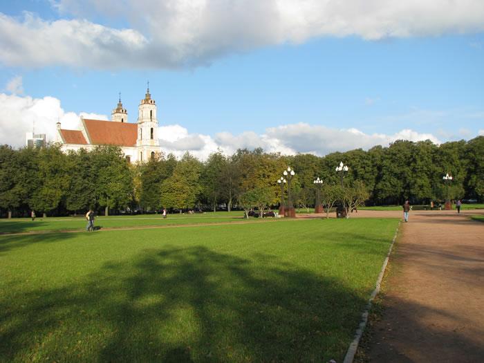 Skaičiuojantys britai pavasarį skatinami keliauti į Lietuvą