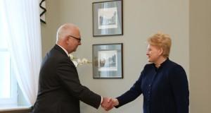 Lietuvių kalba negali būti politinių susitarimų įkaite