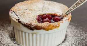 Pyragas su vyšnių įdaru