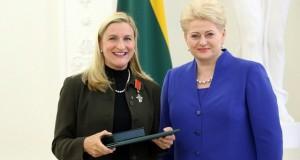 Lietuvoje valstybinius apdovanojimus atsiėmę Rūta Šepetys ir Marius Markevičius dėkingi mylimai tėvų šaliai už pripažinimą