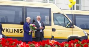 Į mokyklas išriedėjo nauji geltonieji autobusai