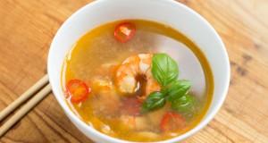 Jūros gėrybių sriuba Pietryčių Azijos motyvais