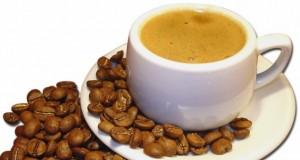 Specialistai primena: arbata ir kava nelaikomi energiniais gėrimais