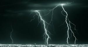 Kaip saugotis siautėjančių žaibų