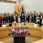 """Projekto """"Moksleiviai – į Vyriausybę 2014"""" dalyviai pristatė savo idėjas"""