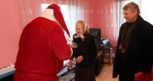 Kalėdų Senelis aplankė vienišus Tryškių gyventojus