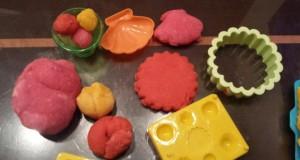 Kaip pagaminti plastilino vaikų kūrybai?