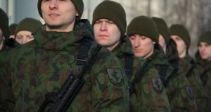 Vyriausybė pritarė šaukimui į privalomąją pradinę karo tarnybą