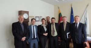 Karjeros užsienyje galimybes iškeitė į darbą Lietuvai