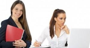 Moterys verslininkės dalijasi patirtimi