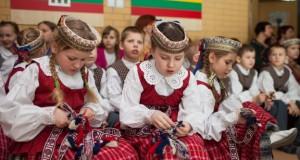 Švietimo ir mokslo ministerija skelbia konkursą užsienio lituanistinėms mokykloms