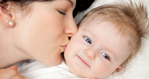 10 patarimų, padėsiančių tinkamai atlikti kūdikio masažą