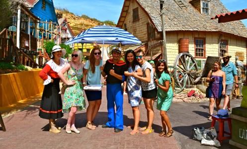 Malta: dešimties merginų nuotykiai