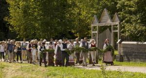 Žolinės šventėje Rumšiškėse – senieji papročiai, koncertai ir parodos