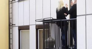 Seimas nepritarė siūlymui uždrausti rūkyti daugiabučių namų balkonuose