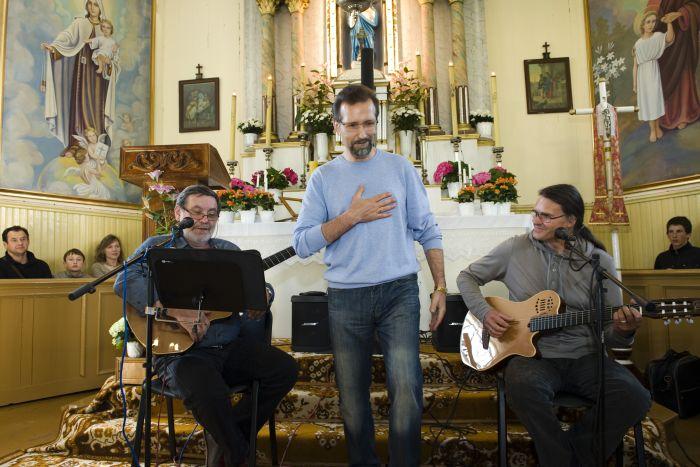 Justinas Rimas (viduryje)