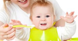 Keisti tėvų eksperimentai: rūkyta dešra ir alaus putos kūdikiams