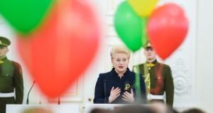 Prezidentė kviečia visus linksmai ir išradingai minėti valstybės gimtadienį