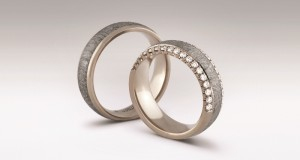 Lietuvis stebina originalumu – kuria vestuvinius žiedus iš meteorito