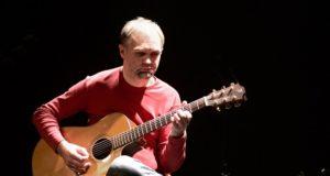 Gitaros meistras M. Kuliavas savo koncertuose naujai atskleis lietuviškas sutartines