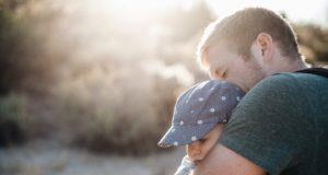 """Edukologė A. Landsbergienė: """"Pernelyg saugodami vaiką tėvai jam tik pakenkia"""""""