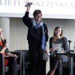 """Silvana De Mari: """"Turime prisiimti atsakomybę, užuot gaminę antidepresantus"""""""