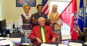 JAV. Šimtametis Alfonsas Jarusevičius išrinktas vienos dienos Voterberio meru