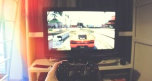 Vaizdo žaidimų mėgėjai – geresni vairuotojai?