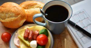 Kaip tradicinius pusryčius padaryti sveikesnius?