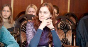 """Jauna mokytoja Rima Kasperionytė: """"Lietuvių kalba ir literatūra geriausiai padeda pažinti mokinį"""""""