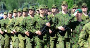 Ką Lietuvos piliečiams svarbu žinoti apie privalomąją karo tarnybą