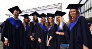 KTU diplomų įteikimo šventė: absolventai prisiima atsakomybę už šalies ateitį