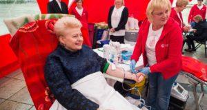 Prezidentė ragina šalies gyventojus tapti neatlygintinais kraujo donorais