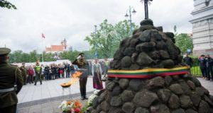 """Prezidentė: """"Birželio 14-oji – Lietuvos žaizda, kuriai nelemta užgyti"""""""