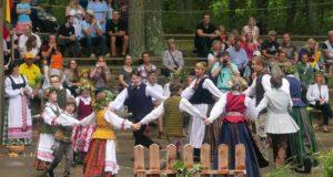 Joninių šventė Naujajame Džersyje subūrė šimtus Amerikos lietuvių