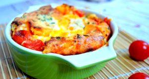 Omletas su vyšniniais pomidorais