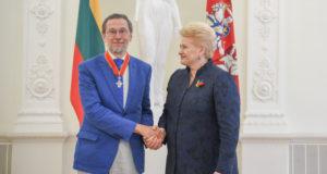 Prezidentė apdovanojo Lietuvai nusipelniusius žmones