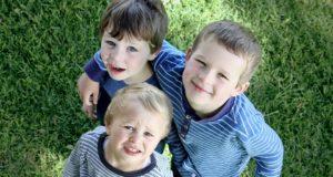 Ką turėtų žinoti į Lietuvą gyventi grįžtančios šeimos su mokyklinio amžiaus vaikais