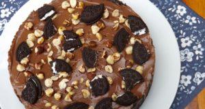 Nekeptas šokoladinio kremo ir sausainių tortas