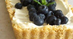Nekeptas sūrio pyragas su mėlynėmis