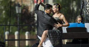 Aistringasis tango kaitino šiauliečių širdis