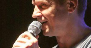 """Rolandas Kazlas: """"Jeigu negyvensi su poezija, teks gyventi su buhalterija"""""""