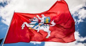 Artėjant Lietuvos gimtadieniui – žvilgsnis į istorinę Vyčio vėliavą