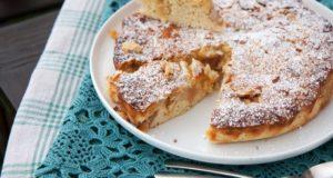 Purus obuolių pyragas su migdolų plutele