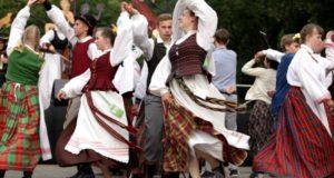 Tradicinis šokis įsuks visą Lietuvą