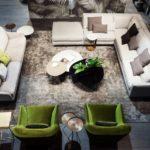 Interjero tendencijos: daugiau sodrių spalvų ir vintažo elementų