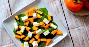 Gaivios salotos su persimonais ir feta