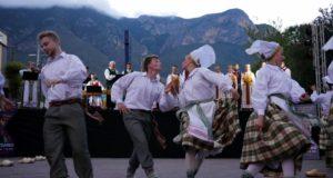 """Lietuviškas dainas meksikiečiams pristatęs """"Nemunas"""" tapo vietinės televizijos žvaigžde"""
