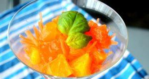 Morkų, apelsinų ir persimonų salotos